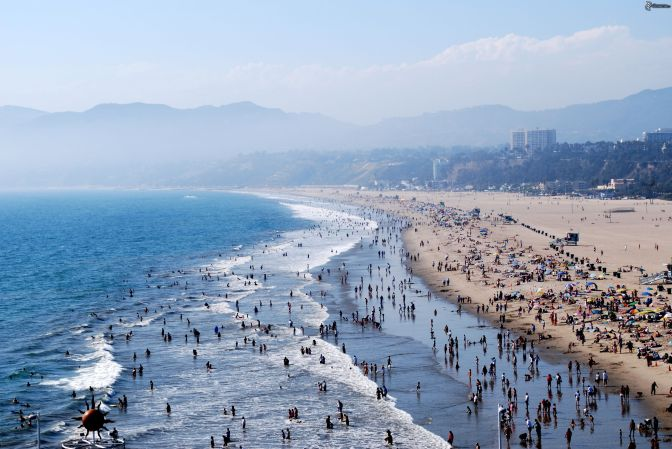 pictures.4ever.eu-santa-monica-beach-los-angeles-people-149131
